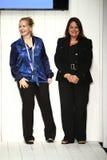 Formgivare och modeller går landningsbanafinal under Artens Institutes modeshow Royaltyfri Foto