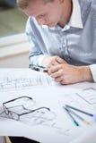 Formgivare som kontrollerar projektet Royaltyfri Fotografi