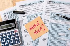 Formi 1040 per - dichiarazione dei redditi Immagine Stock Libera da Diritti