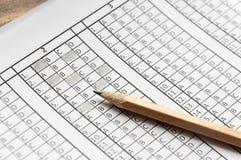Formi per l'esame con la matita che si trova su  prova Fuoco selettivo Fotografie Stock Libere da Diritti