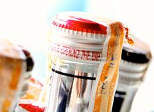 Formica rossa della Tailandia sulle bottiglie di birra Immagini Stock Libere da Diritti