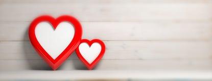 Formte rotes Herz zwei leere Rahmen auf hölzernem Wandhintergrund, Fahne vektor abbildung