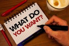 Formułuje writing tekst Co Wy Chcą pytanie Biznesowy pojęcie dla dążenie kontemplaci potrzeby Kontempluje Aspiruje ręka chwyta bl fotografia royalty free