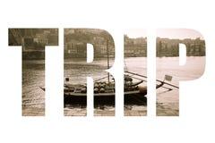 Formułuje wycieczkę nad łodzią z baryłkami wino przy kuszetką Douro Riv Obraz Stock
