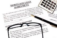 Formulário de aplicação do empréstimo da hipoteca fotos de stock