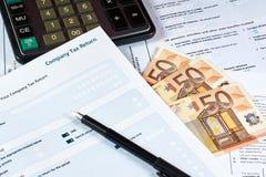 Formulário de declaração de rendimentos da empresa fotos de stock royalty free