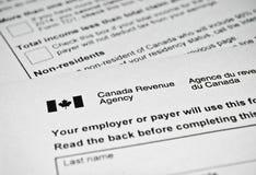 Formulário de imposto canadense fotos de stock