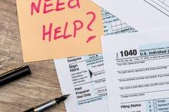 formulário de imposto 1040 com etiqueta Imagens de Stock