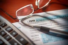 Formulário de imposto de 1040 E Fotos de Stock