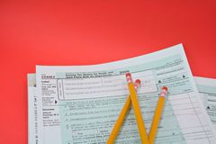 Formulários de imposto 1040EZ imagem de stock royalty free