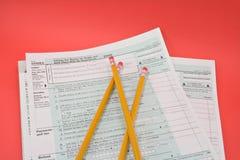 Formulários de imposto 1040EZ imagens de stock royalty free