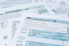 Formulários de imposto do IRS fotografia de stock