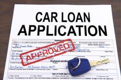 Formulaire de demande approuvé de prêt automobile photos stock
