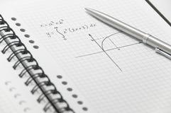 Formule complexe de maths (avec le graphique simple) photos stock