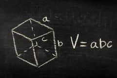 Formule de mathématiques sur le tableau noir photo stock
