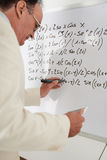 Formule di per la matematica di riscrittura fotografie stock libere da diritti
