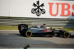 Formule 1 van McLarenhonda in Monza door Fernando Alonso wordt gedreven dat Stock Foto's