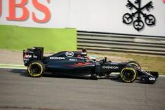 Formule 1 van McLarenhonda in Monza door Fernando Alonso wordt gedreven dat Royalty-vrije Stock Fotografie
