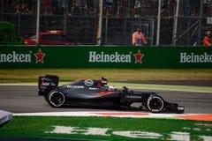 Formule 1 van McLarenhonda in Monza door Jenson Button wordt gedreven dat Stock Afbeeldingen