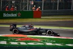 Formule 1 van McLarenhonda in Monza door Jenson Button wordt gedreven dat Stock Foto's