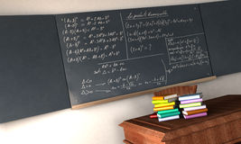 Formules de maths sur un tableau noir Photo stock