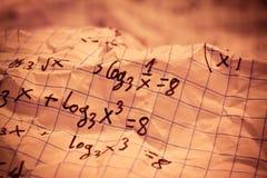 Formules mathématiques écrites par main Images stock