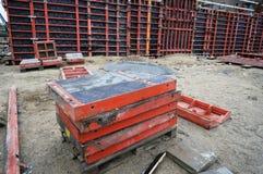 Formwork- och material till byggnadsställningsystem Arkivbilder