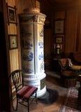 Fornace di legno della piastrella di ceramica del vecchio mondo immagini stock