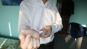 Fornal prostuje mankieciki zdjęcie wideo