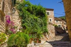 Fornalutx by på Majorca Royaltyfria Bilder