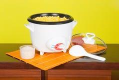Fornello di riso elettrico fotografie stock