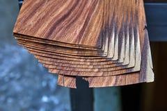 Fornirowy Santos Rosewood Drewniana tekstura Woodworking i ciesielki produkcja obraz stock