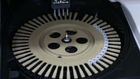 Fornisca le soluzioni ottimali di prova dell'autoimmunità e di allergia facendo uso di avanzato video d archivio
