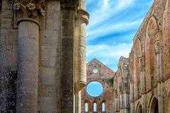 Forntida abbotskloster av San Galgano i Tuscany, Italien Royaltyfri Foto