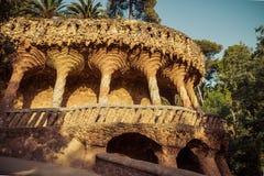 Forntida akvedukt i parkera Guell Royaltyfri Foto