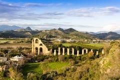Forntida akvedukt, Turkiet Arkivfoto
