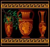Forntida amfora och tillbringare Arkivfoton