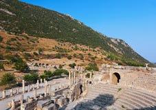 Forntida amphitheater i Ephesus Turkiet arkivbild