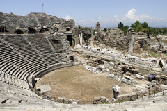 Forntida Amphitheater i sida Royaltyfria Bilder