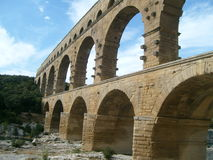 Forntida aquaduct i Provence Frankrike Arkivbild