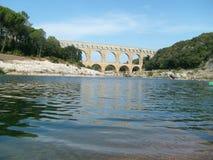 Forntida aquaduct i Provence Frankrike Royaltyfri Bild