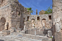 Forntida arkeologisk plats på sidan, Turkiet Royaltyfria Bilder