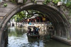 Forntida arkitektur för Suzhou lönn Royaltyfria Bilder