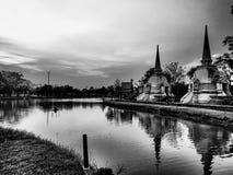 Forntida ayutthaya tegelstenpagod royaltyfri foto