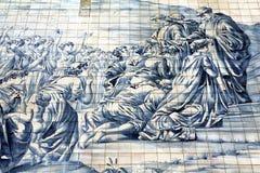 Forntida Azulejo i staden av Porto, Portugal. arkivfoton