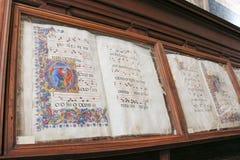 Forntida böcker i bibliotecaen Piccolomini av Siena Cathedral Duomo Siena, Tuscany, Italien Arkivfoto
