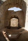 Forntida bad Cesaria av port Israel Royaltyfri Foto