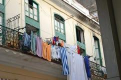 forntida balkongdrying sheets gatan Royaltyfri Bild