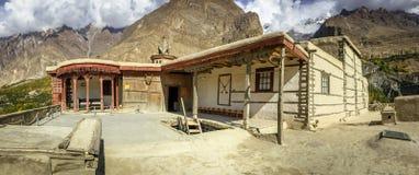 Forntida Baltit fort i höstsäsong Hunza dal, Pakistan royaltyfri foto
