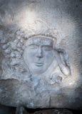 Forntida basrelief som snidas i marmor Royaltyfri Fotografi